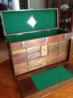 Moore Toolmakers Work Bench Tool Cabinet With Accessories