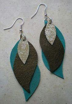 Design by Night: Leather Earring Pattern Update - DIY Earrings - Jewelry Diy Leather Earrings, Beaded Earrings, Beaded Jewelry, Handmade Jewelry, Leaf Earrings, Feather Earrings, Handmade Bags, Hoop Earrings, Stud Earring
