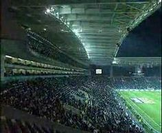 Guinness Record (2007): Most Paper Aircraft Launched Simultaneously  The record for the most paper aircraft launched simultaneously is 12672 and was organised by REALIZAR IMPACT MARKETING and FC PORTO at the Dragao Stadium Porto Portugal on 2 November 2007. Originally posted 2013-05-14 21:33:39. Related Post How to fold  Continue reading   The post Guinness Record (2007): Most Paper Aircraft Launched Simultaneously appeared first on Origami Blog.