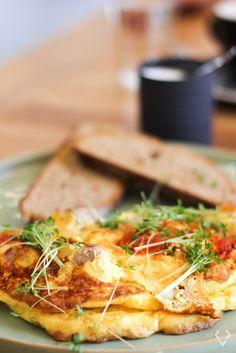 Rauner Restaurant Review Linz – kessyandjoey.com Lokal, Restaurant, Ethnic Recipes, Food, Linz, Diner Restaurant, Essen, Meals, Restaurants