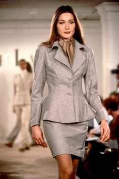 Ralph Lauren Runway 90's Prada Spring, Dior Haute Couture, Claudia Schiffer, John Galliano, Gianni Versace, Christian Dior, Carla Bruni Sarkozy, Valentino Garavani, Fashion Week