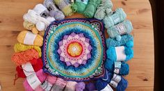 #colours #crochet #hekling #farger #sostrenegrene #bomull #cotton #farger #veske #bag 4th Of July Wreath, Wreaths, Home Decor, Decoration Home, Door Wreaths, Room Decor, Deco Mesh Wreaths, Home Interior Design, Floral Arrangements