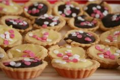 tarts <3 I adore the idea of tiny tartlets instead of cupcakes. Refreshing!