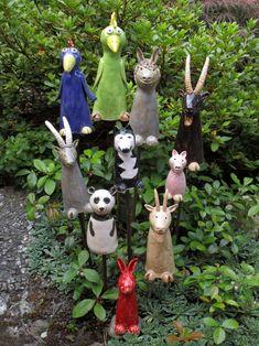 Ceramic fence stool, A garden is f. Ceramic fence stool, A garden is far more than an out Pottery Tools, Slab Pottery, Ceramic Pottery, Ceramic Art, Ceramic Bowls, Sculpture Art, Garden Sculpture, Garden Totems, Fence Garden