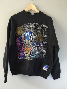 Retro New York Giants sweatshirt, featuring the Empire State Building! Great find on ETSY!