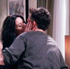 Friends Tv Show, Friends Cast, Friends Moments, Friends Series, Chandler Friends, Chandler Bing, Monica E Chandler, Ross Geller, Phoebe Buffay