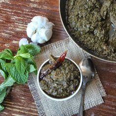 Indian Style pesto !! Spicy & tangy mint chutney / pickle