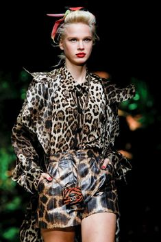 Dolce and Gabbana animal print: fashion trends of 2020