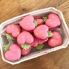 Inspiration Food in Biscuit 🍫 🍬 🍭 🥯 – Pretty Meringue & Macaron Recipes – edessert Cute Desserts, Dessert Recipes, Cute Baking, Kawaii Dessert, Macaron Cookies, Macaroon Recipes, Cafe Food, Aesthetic Food, Cute Cakes