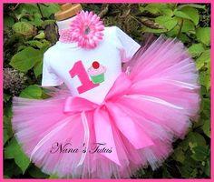Birthday Cupcakes Ideas For Girls Kids Tutus Ideas For 2019 Girl Birthday Cupcakes, Baby Girl 1st Birthday, Girl Cupcakes, Cupcake Party, Baby Birthday, First Birthday Parties, First Birthdays, Birthday Ideas, Birthday Board