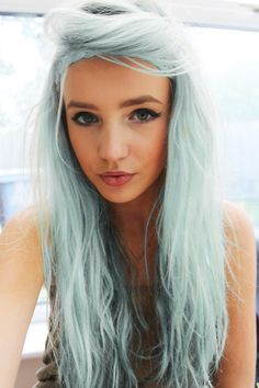 ok, if I could pull off this grey blue color, I totally and completely would.
