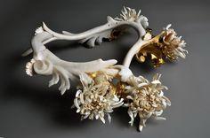 Изящные скульптуры из костей животных. (6 фото)