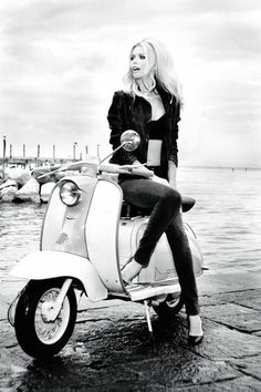 Claudia Schiffer, looking gorgeous & like Brigitte Bardot, shines in the Guess Anniversary ad campaign. Photographed by Ellen Von Unwerth. Ellen Von Unwerth, Scooter Girl, Vespa Girl, Retro Scooter, Claudia Schiffer, Brigitte Bardot, Bridget Bardot, Vespa Vintage, Lambretta Scooter