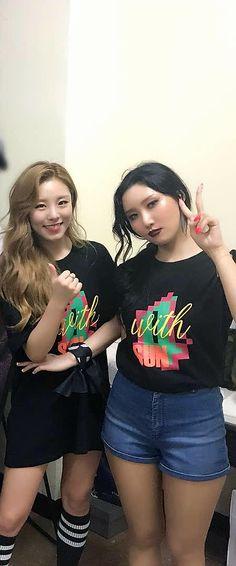 Wheein and Hwasa