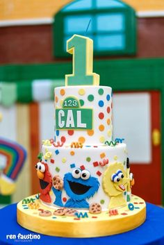 Street Birthday Party Sesame Street Cake from a Sesame Street Birthday Party on Kara's Party Ideas Sesame Street Birthday Cakes, Sesame Street Cake, Baby Boy 1st Birthday Party, First Birthday Cakes, Birthday Ideas, Sesame Street Cookies, Birthday Board, Elmo Cake, Cakes For Boys