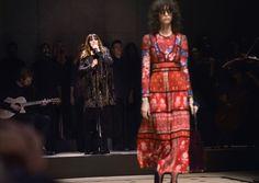 Burberry apresenta coleção feminina Outono / Inverno 2015 em Londres