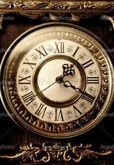 -Old-antique-clock.