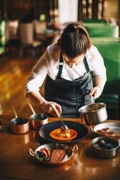 restaurant photography Meet Three Female Chefs Disrupting The Arizona Food Scene Cooking For One, Fun Cooking, Breakfast Cooking, Cooking Pasta, Slow Cooking, Chef Recipes, Cooking Recipes, Cooking Dishes, Cooking Gadgets