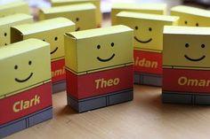 Lego traktatie doosje. Nodig: Wit stevig papier, traktatie, Dubbelzijdig tape/lijm. Werkwijze: Print de bijlage en knip deze uit. Vouw en plak het doosje in elkaar. Vul het doosje met de traktatie (snoepjes, lego enz.) en sluit het deze. http://hobby.blogo.nl/files/2009/04/oren.jpg