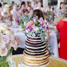 Wedding cake || photo @bayleighvedelago_photographer #crannahtietheknot