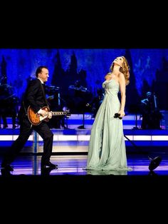 Celine Dion ....... Love this dress