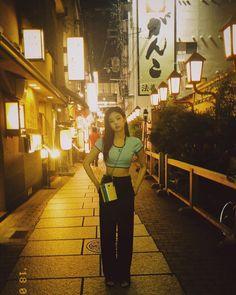 Jennie in street Kim Jennie, Jenny Kim, Mode Kpop, Blackpink Photos, Blackpink Fashion, Fashion Idol, Park Chaeyoung, Blackpink Jisoo, Airport Style