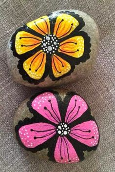 Looking for some easy painted rock ideas to get inspired by? See more ideas about Rock crafts, Painted rocks and Stone crafts. Rock Painting Patterns, Rock Painting Ideas Easy, Rock Painting Designs, Pebble Painting, Pebble Art, Stone Painting, Painting Flowers, Painting Art, Paintings