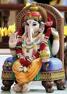 If you want to fulfil all desires, amass wealth and remove doshas, choose 32 forms of Ganesha Homam. The God of Wisdom is sure to protect and remove obstacles. Jai Ganesh, Ganesh Lord, Ganesh Idol, Ganesh Statue, Shree Ganesh, Shri Ganesh Images, Ganesh Chaturthi Images, Ganesha Pictures, Krishna Images