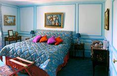 Chambre Bleue au Chateau de la Barre, www.chateaudelabarre.com .