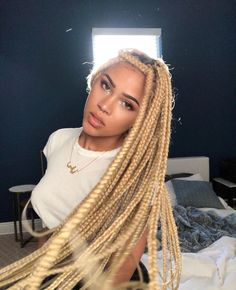 Black Braided Hairstyles 797137202778571688 - Box braids are a timeless style because of their simplicity but the ability to appeal to everyone. Check out our list of 60 box braids hairstyles for black women. Source by joalwaoloaw Afro Blonde, Blonde Box Braids, Blonde Hair, Pink Box Braids, Braid Afro, Twist Braids, Twists, Box Braids Hairstyles, Red Brunette Hair