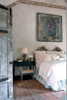 a touch of gris... -What a fabulous sleepingroom!