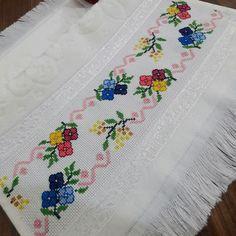 Etamine, Needle lace, Ribbons on In Cross Stitch Borders, Cross Stitch Flowers, Cross Stitching, Hobbies And Crafts, Diy And Crafts, Needle Lace, Lace Ribbon, Perler Beads, Needlepoint
