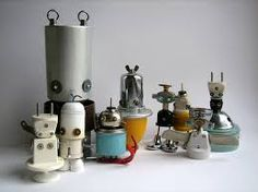 So fun and cool! Recycled materials into funky toys or garden ornaments Recycled Toys, Recycled Crafts Kids, Recycled Art, Recycled Materials, Yard Art Crafts, Diy Art, Craft Art, Reuse Recycle, Metal Crafts