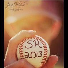 high school senior photography pose for baseball player