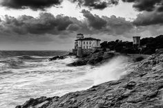 The castle in the storm by Fabrizio Lunardi on 500px