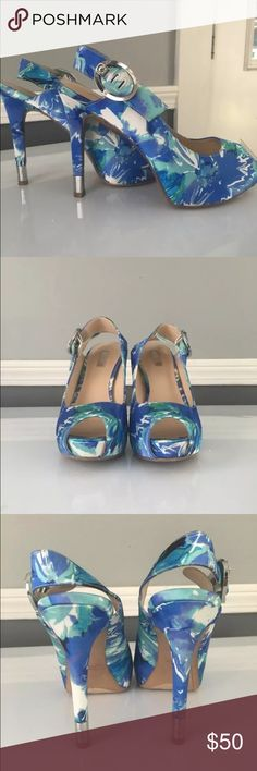 Guess Hailey Blue multi floral peep toe pumps 8.5 Size 8.5. Originally wedding shoes. Only worn to try on. Chose different shoe for wedding. In original box Guess Shoes Heels