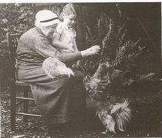 Un articolo di Lilia            IL MONDO DI BEATRIX POTTER      PRIMA PARTE          C'erano una volta quattro coniglietti.      Si ch...