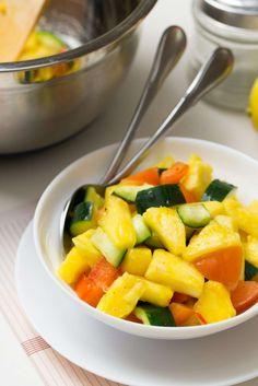 Pineapple Salad, Vegan Recipes, Cooking Recipes, Chimichurri, Dried Fruit, Menu Restaurant, Empanadas, Fruit Salad, Dips