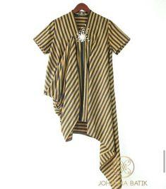 Trendy Ideas Skirt Blue Outfit Stripes Source by fashion Blouse Batik, Batik Dress, Batik Kebaya, Trendy Fashion, Fashion Outfits, Batik Fashion, Blouse Designs, Fashion Design, Clothes