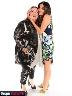 Melissa McCarthy and Sandra Bullock | Photo Booth Fun at the People's Choice Awards!