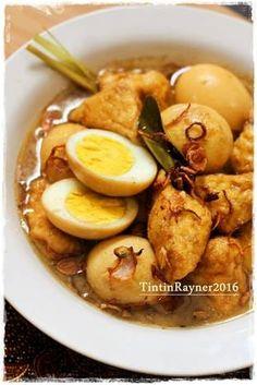 Semur Telur &Tahu Hemat Nikmattt Spicy Chicken Recipes, Asian Recipes, Vegetarian Recipes, Cooking Recipes, Healthy Recipes, Malay Food, Tofu Dishes, Malaysian Food, Cata