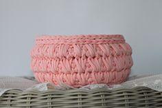 Crochet basket 25$ usd orders can be placed on etsy or pm me.#etsyseller #etsyhandmade #tabledecor #loveit #sousplat #decoration #country #homesweethome #homedesign #like4like #likesforlikes #instagood #instalike #love #blue #flowers #etsymom #elegant #crochet #receberbem #donadecasa #mesaposta #euroroma #knitting #knittinglove #basket #crochetbasket #country