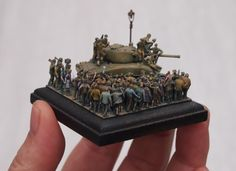 """Libération de Paris. "" Placed 100figures on the base of 2inches X 2inches."