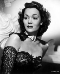 "Jane Wyman  ""Women are like tea bags. You never know how strong they are until you put them in hot water"". The first Mrs. Ronald Reagan.  http://www.imdb.com/name/nm0943837/bio"