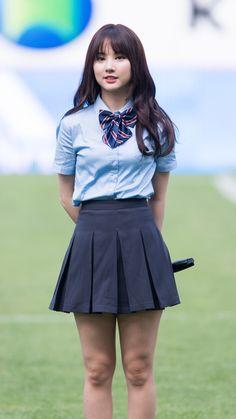 School Uniform Fashion, School Uniform Girls, Student Fashion, Girls Uniforms, Girl Fashion, School Uniforms, Beautiful Japanese Girl, Beautiful Asian Girls, School Girl Dress