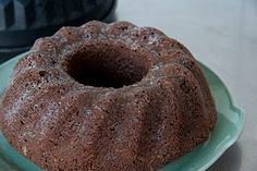 Duitse chocolade-hazelnootcake - http://www.mytaste.nl/r/duitse-chocolade-hazelnootcake-1023791.html