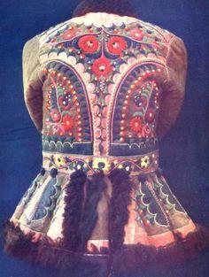 Hungarian jacket detail on leather ködmön