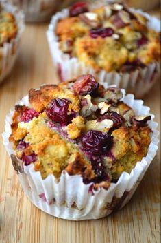 Paleo Cranberry Orange & Pecan Muffins - almond flour coconut flour baking soda eggs orange zest vanilla orange juice honey (sub another sweetener) coconut oil cranberries pecans Baking Recipes, Dessert Recipes, Paleo Dessert, Cookie Recipes, Artisan Bread Recipes, Dinner Dessert, Paleo Baking, Dessert Bread, Baking Ideas