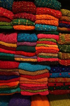Orignal tie-n-dye or bandhni from Mundra (India).