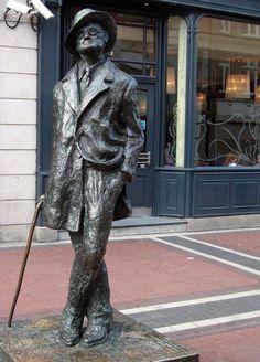 Escultura de James Joyce en Dublín